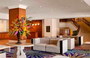 Фойе в отеле Hilton
