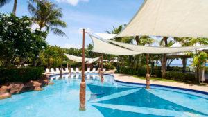 Бассейн отеля Hyatt Regency Guam